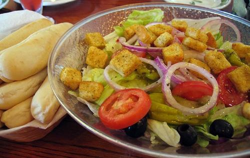 Olive garden salad and breadsticks food pinterest - Calories in olive garden breadstick ...