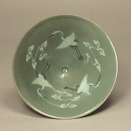 Celadon with Inlaid Cranes and Clouds Design   Goryeo Dynasty   mid 12th Century   h.6.0cm d.17.0cm   Gift of Mr. RHEE Byung-Chang The Museum of Oriental Ceramics,Osaka
