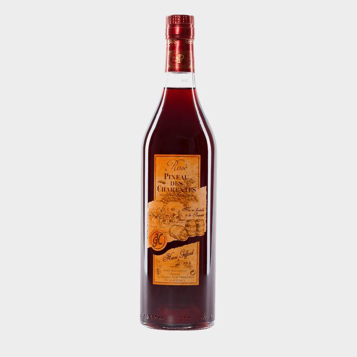 #Vieux #Pineau #de #Charentes (Rot) Dieser kaminrote #Pineau ist ein Augenschmaus und überzeugt durch den Duft von roten Früchten. Im Vergleich zu den anderen beiden #Pineau #des #Charentes (#blanc und #rosé) ist dieser #Vieux #Pineau #des #Charentes etwas jünger und nicht ganz so süß.
