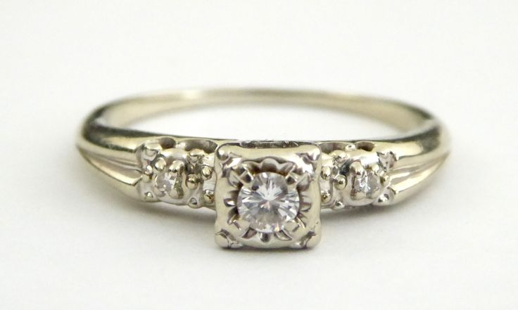 Vintage 14ct Gold Ring with Diamonds Setting Size T - The Collectors Bag