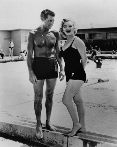 costume da bagno anni 50 marylin monroe e cary grant