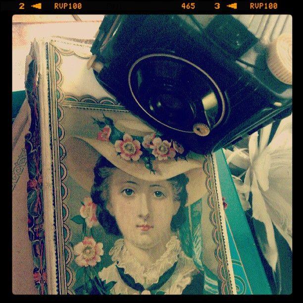 #portalpecaapeca #old #antique #antigo #maquinafotografica #fotografia #photography #vintage #retro #camera #oldcamara Follow us:  http://www.pecaapeca.com http://www.facebook.com/portalpecaapeca