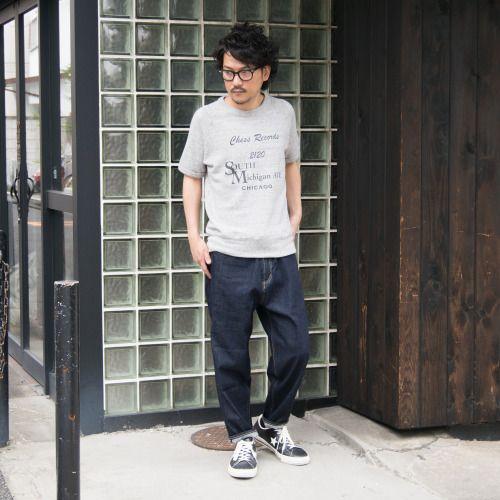 Tシャツとは異なる、夏のスウェットスタイル。 [AUD1559] http://www.aud-inc.com/product/1710 ふんわり柔らかな着心地、1枚での着用時にも肌触りの良いソフトエアー裏毛の半袖スウェット。 アメカジらしさと、綺麗な書体のプリントから幅広いスタイル、年代の方にご好評頂いております! 流行り廃りのないアイテムに、今を感じるワイドシルエットアンクルパンツを。 ワイドパンツらしい緩やかさに、テーパードをきかせる事でどこかスッキリとした印象も持つ新シルエット! 通年でご着用頂ける、人気のボトムスです。 [AUD3343] メンズ http://www.aud-inc.com/product/2454 レディース http://www.aud-inc.com/product/2473