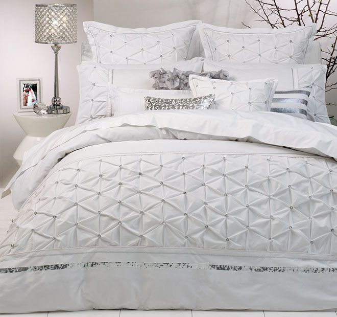 Logan and Mason Ultima Solitaire Quilt Cover Range White