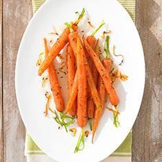 Geglaceerde worteltjes met karwij en mandarijn
