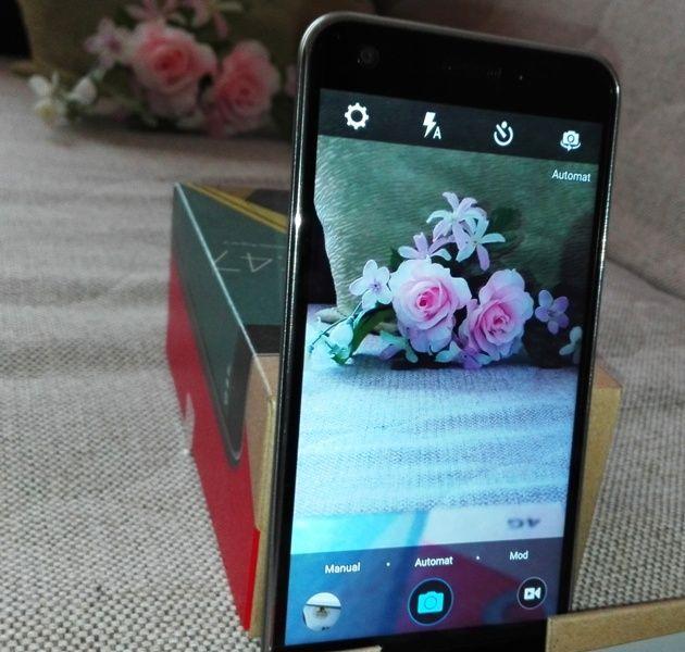 Vodafone Smart Ultra 6 = ZTE Blade S6 Plus cu display FHD în loc de HD cât are modelul nebranduit.