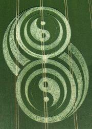 crop circles: Art Circles, Uk 2009, Aliens Visit,  Labyrinths, Crop Circles 3Sjj 3, Cropcircl Essence, Circles Recipes, Circles Photo, Aliens Crop Circles