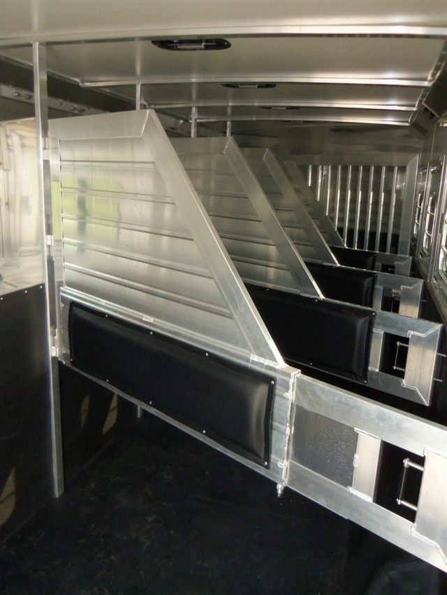 What Makes A Good Divider Quality Aluminum Construction