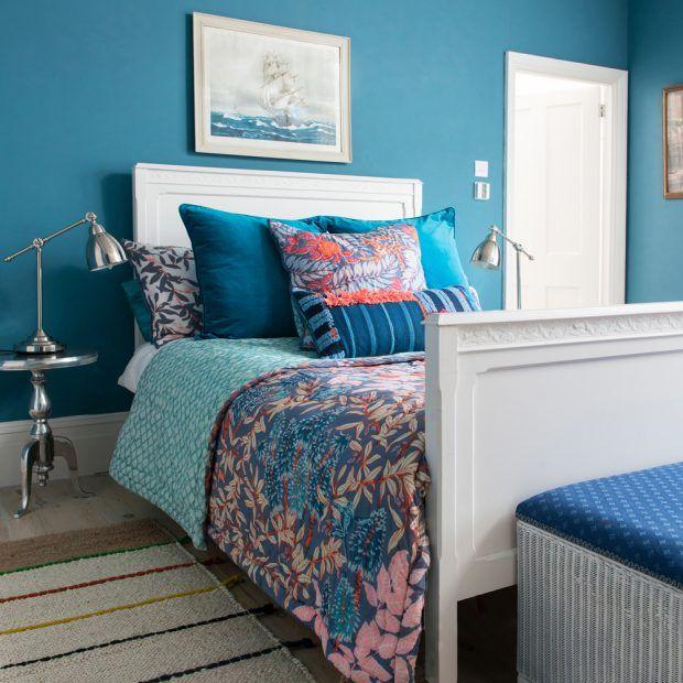 Vintage Bedroom Design Ideas Turquoise Bedroom Paint Ideas Bedroom Decor Items Bedroom Ideas Mink: Teal Bedroom Walls, Teal Paint And Teal Bedroom