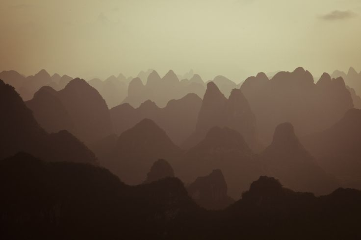 Atmospheric Perspective: Flavored Paper, Amazing Wallpapers, Mountain Murals, Wallpapers Patterns, Mountain Range, Paper Mountain, Wallpapers Murals, Majesti Wallpapers, Mountain Majesti