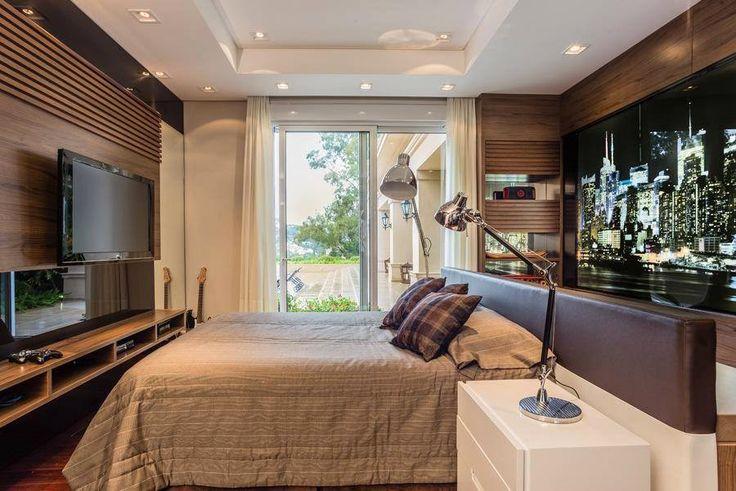 Home office atrás da cabeceira da cama ilha - lindo! - Decor Salteado - Blog de Decoração, Arquitetura e Construção