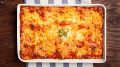 "Dr. Travis' Quick-Fix Spinach Lasagna Recipe - ""Every single food we eat in our lives can be made tastier and healthier,"" Dr. Travis says. Try Dr. Travis' healthy take on a family favorite: lasagna! With 300 fewer calories than traditional recipes, you can enjoy this dish as often as you'd like! --- http://www.thedoctorstv.com/recipes/dr-travis-quick-fix-spinach-lasagna"