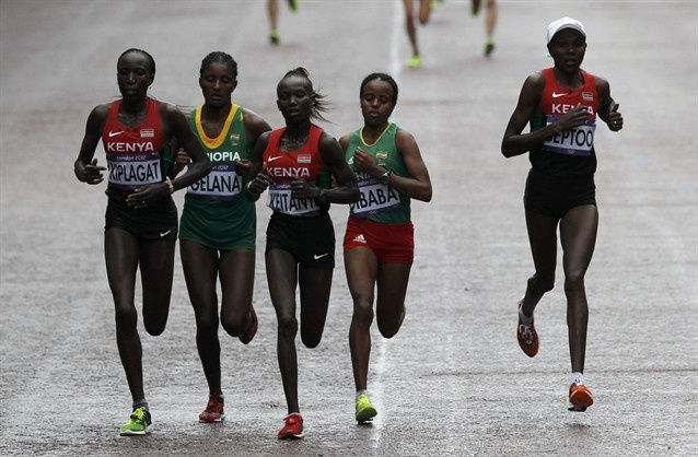 Early on, the lead pack winnowed down to 5 - Kenya's Edna Ngeringwony Kiplagat, Ethiopia's Tiki Gelana, Kenya's Mary Jepkosgei Keitany, Ethiopia's Mare Dibaba and Kenya's Priscah Jeptoo.