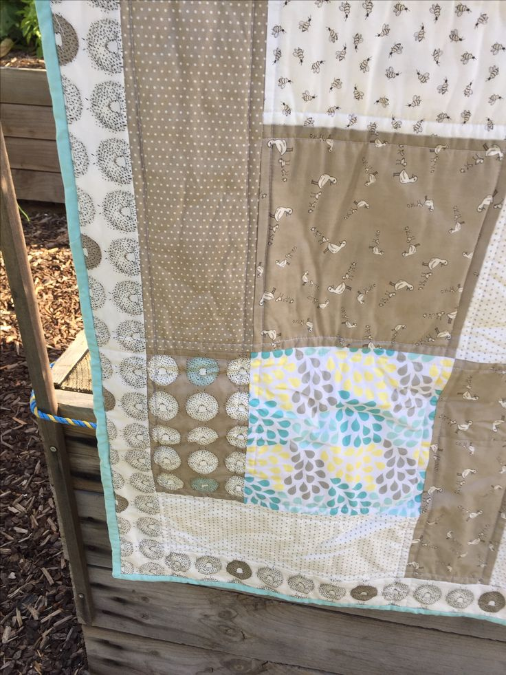 Baby quilt using Darling Little dickens fabric