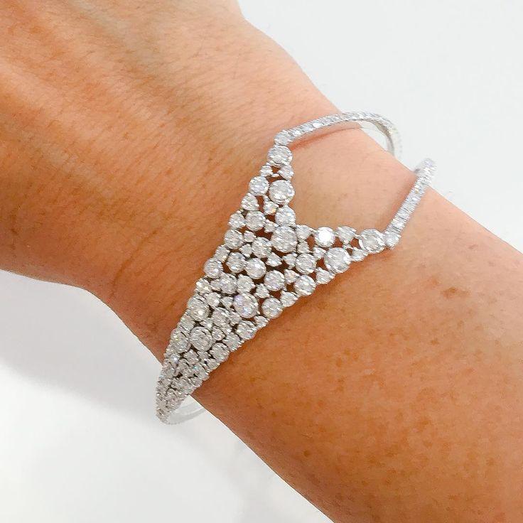 Ipsilo Bracelet  Need I say more?  available @saksjewelrynyc @saks90210jewelry @saksnaples @saksphilly @doraziopr #marli #marlistyle #ipsilo #diamondbracelet #diamondbangle #diamonds #finejewelrydesign #fashion #style #amazing #love #doraziopr #saks #finejewelry #jotd #redcarpet #celebritystyle  #newyorkstyle #dubaistyle #nofilter