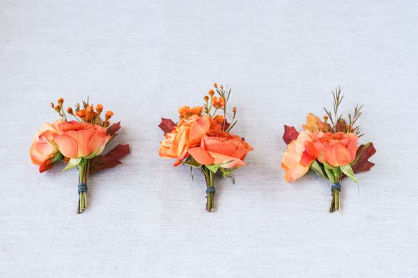 DIY Boutonnieres  http://www.projectwedding.com/ideas/309963/diy-autumn-inspired-boutonnieres