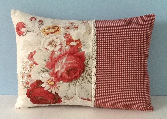 Waverly Norfolk Rose pillow cover. Shabby cottage chic. Cabbage roses Lace. French country, Waverly Country Fair. Floral 12x16 throw pillow. Z