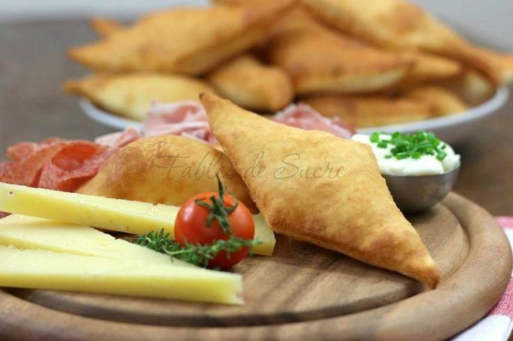 Gnocco fritto facile e veloce da fare. Ideale tagliato a metà e riempito con affettati e formaggi misti. Per una cena sfiziosa in compagnia degli amici.