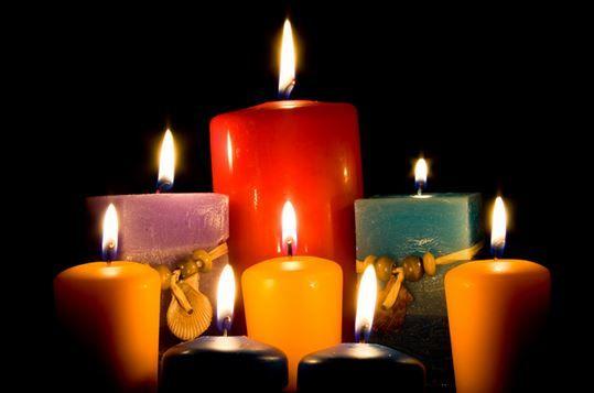 Interpretación de las velas La vela representa al ser humano, la cera al físico, la mecha a la mente y la llama al espíritu.