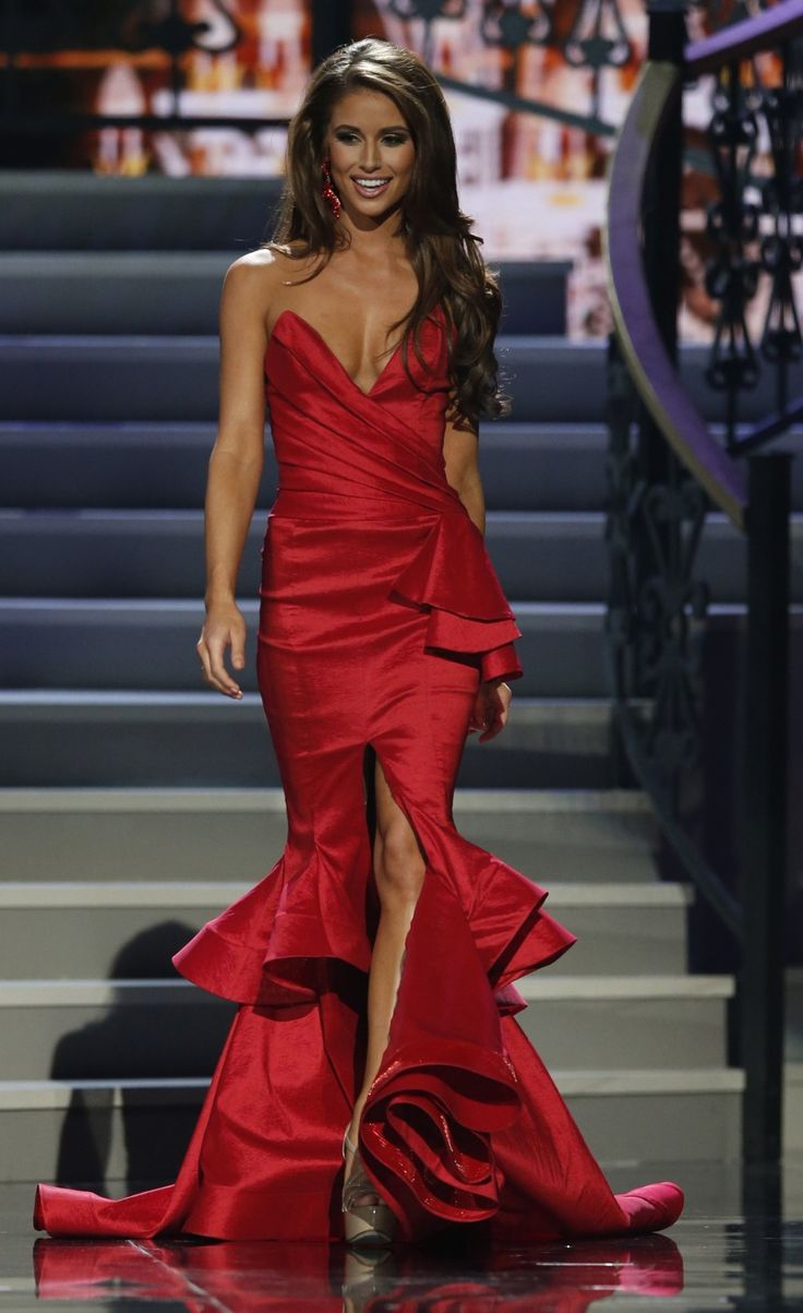 nia sanchez miss nevada | 447441-miss-nevada-nia-sanchez-walks-during-the-2014-miss-usa-beauty ...