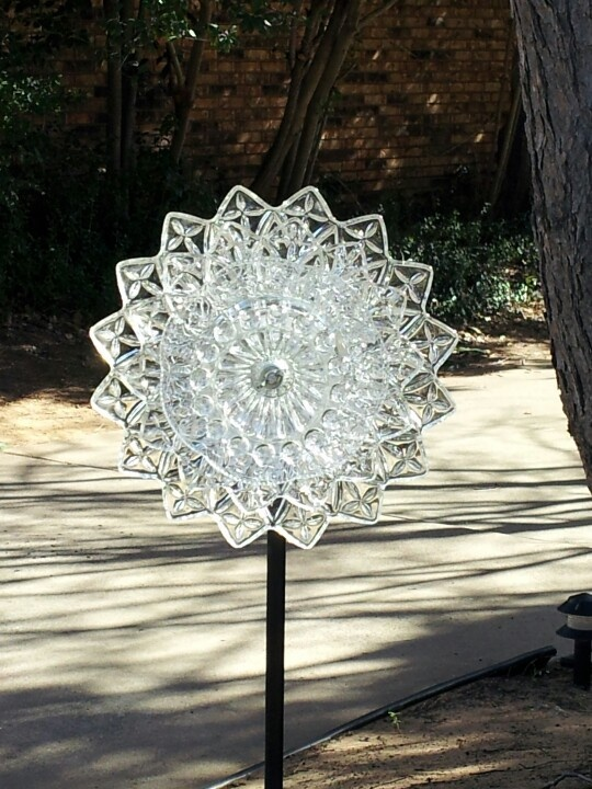 301 best images about garden totems glass on pinterest for Recycled glass art projects