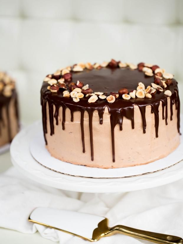 The recipe for this cake is very simple, with step by step photo process. It doesn't require any special skill and wont take much of your time.