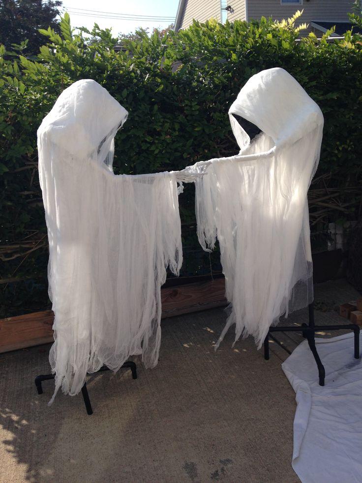 1723 best Happy Haunted Halloween images on Pinterest Halloween - halloween ghost decor
