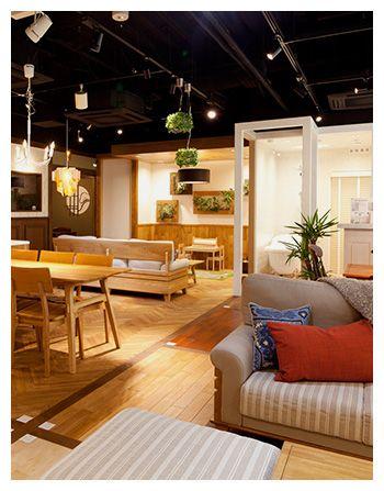 株式会社クロニクルは「住」に関連する各種事業を行う総合不動産企業です。リノベーションブランド「クロニクル」と、新築マンション・戸建ブランド「プロスタイル」を展開しています。デザイン・機能性・天然無垢材などの自然素材にこだわり、高品質低価格の住宅をご提供しています。