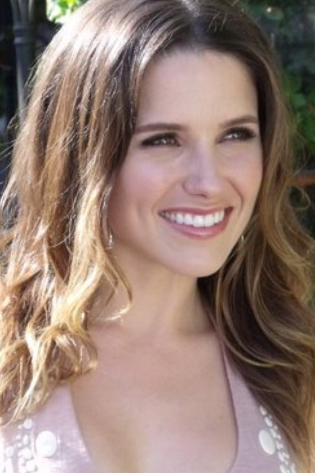 Love her hair! Sophia Bush