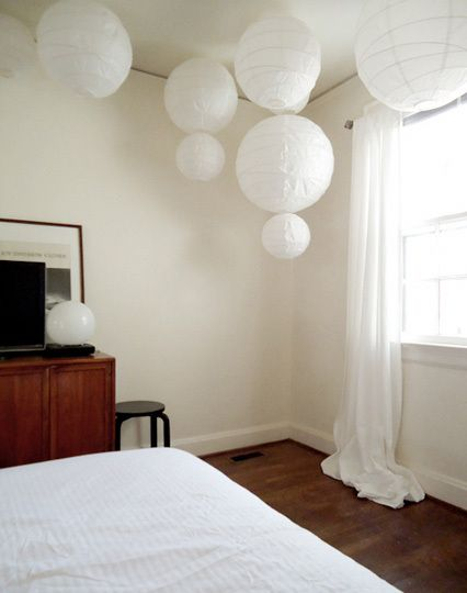 Chinese Lantern Bedroom | ve been wondering what paper lanterns would like like in our bedroom ...