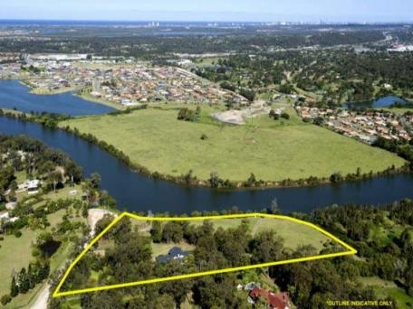 Situated on the Coomera River, Gold Coast