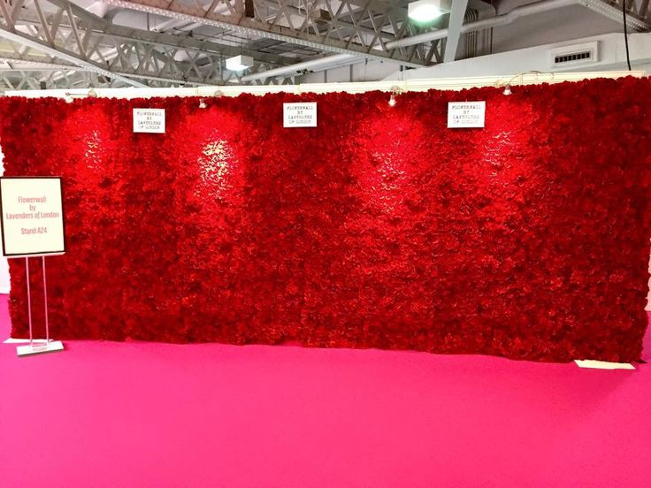 Red 6m flower wall