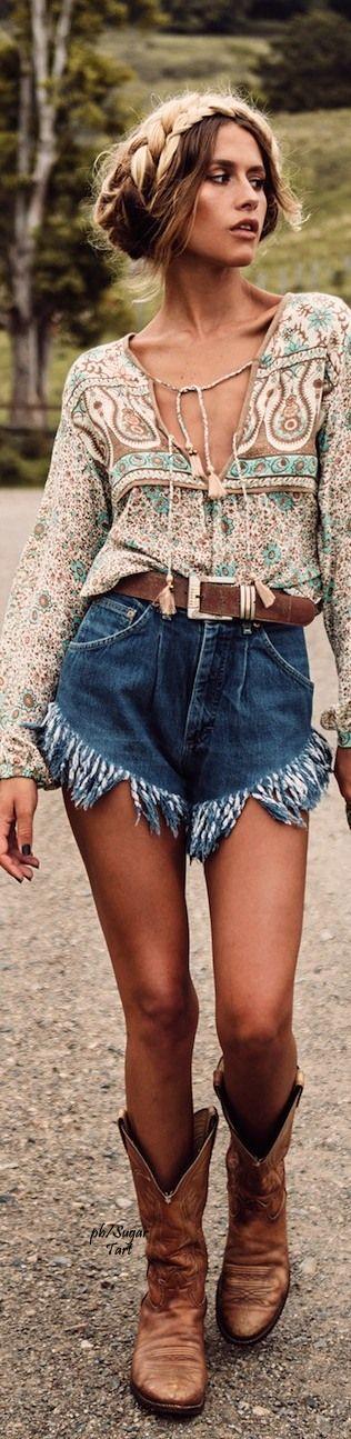 30 Boho Fashion Ideas To Try A New Look