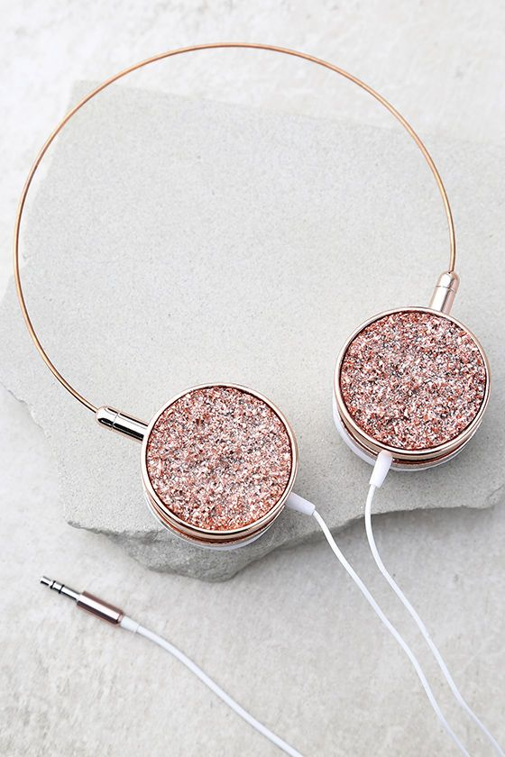 You've got the phone case, now get the Skinnydip London Pyrite Rose Gold Headphones to match! Shiny rose gold headphone have a slim silhouette, and sparkling druzy accents. White ear cushions. Works with all smartphones, tablets, and MP3 players.