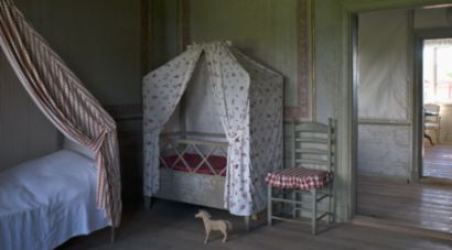 Now this would be a dream room! Authentic Swedish 18-th century at Skogaholms Herrgård