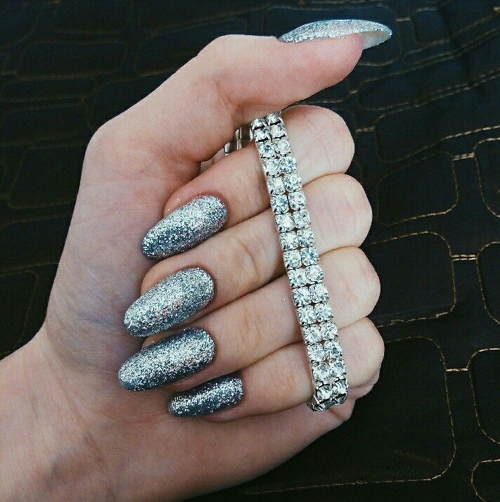 Shiny silver sparkly glitter long nails Almond oval cute uñas brillantes uñas de almendra decoradas блестящие серебряные ногти