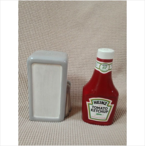Heintz Ketchup Salt And Pepper Shaker A Collectible Ceramic Set By Benjamin Medwin on eBid United States    Come see all of our items in our stores at eBid.com  http://us.ebid.net/items/mjs1859