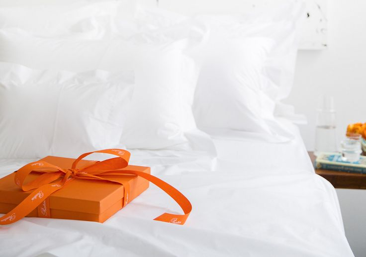 By combining their trademark 'Angel Skin' 100 percent Egyptian cotton with classic designs sewn by expert embroiderers, Pratesi has garnered a reputation as the crème de la crème for top hotels all over the world, including The Savoy in London.