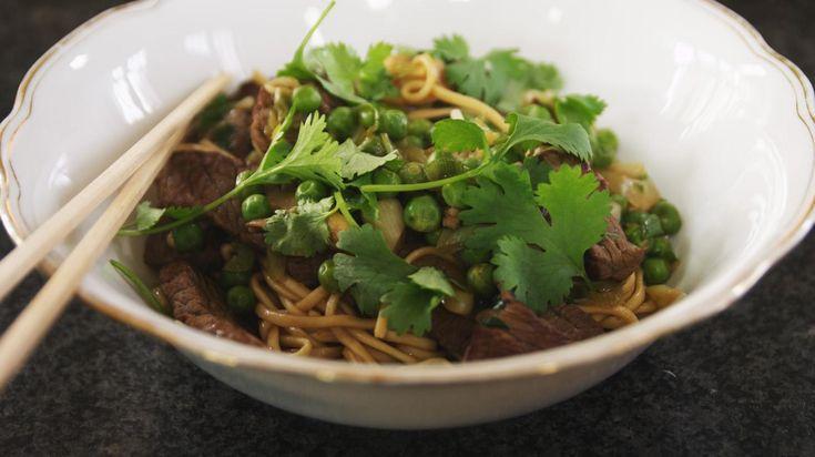 Wok met pittig rundvlees en noedels | Dagelijkse kost