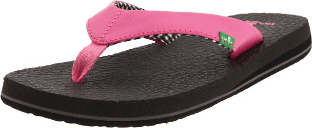The Sanuk Women's Yoga Mat flip-flop in pink is a cushioned thong flip-flop featuring a yoga-mat footbed and contrasting jersey print lining on the strap.  This flip-flop also comes with a  soft webbing toe post.