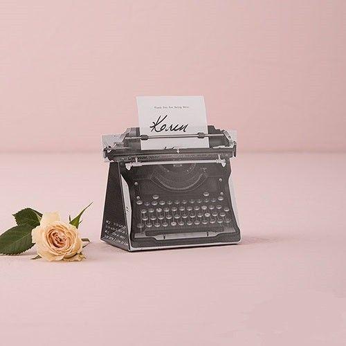 Vintage stílusú írógép köszönetajándék doboz és ültetőkártya tartó egyben