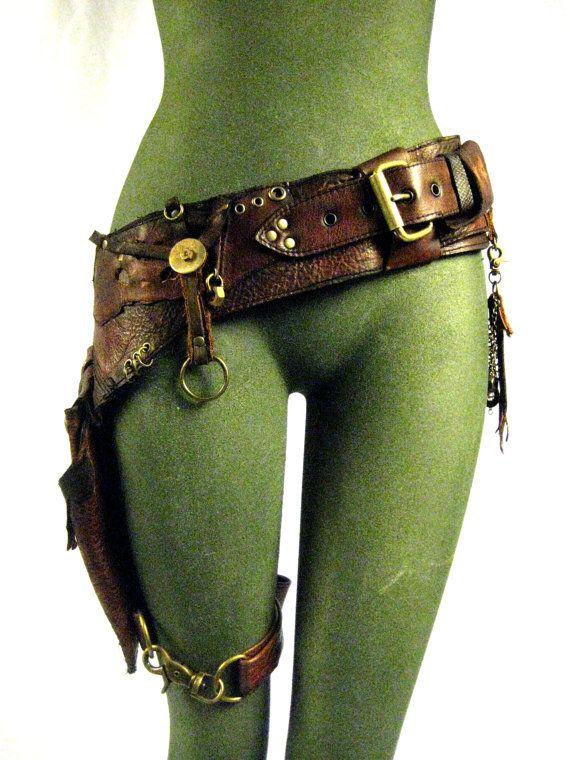 En cuir, sac de hanche, burning man, mad max, fille de réservoir, vieilli, robuste, post apocolyptic : Renegade icône Designs sur Etsy, 190,84€