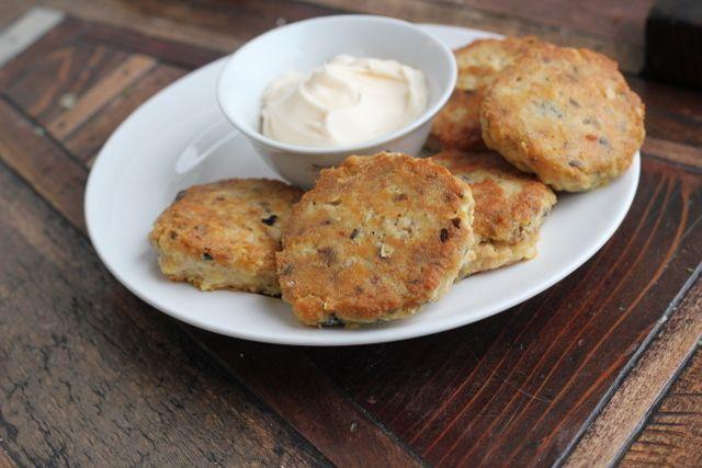 Keto Crab Cake Recipes: Low Carb Crab Cakes, Gluten Free Crab Cakes, Coconut Flour