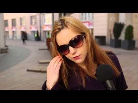 A videó, amit minden magyarnak látnia kell!- címmel posztolt egy kicsit több mint 1 perces videót a Szavazz a Jobbik ellen Facebook-csoport.