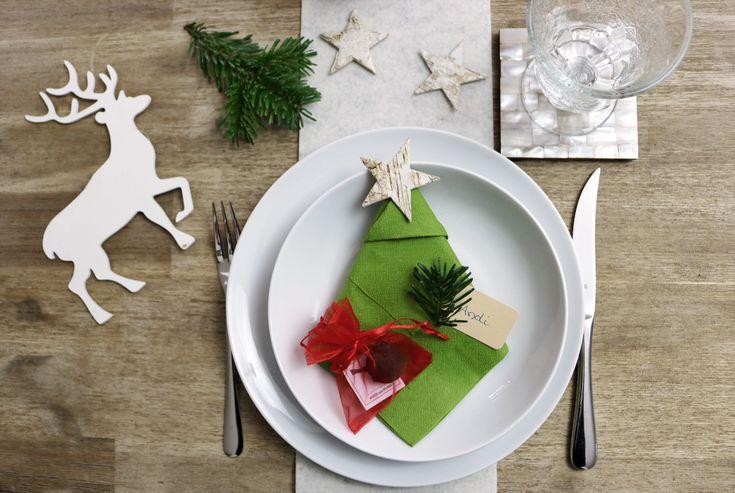 Tischdeko mit Seedballs als individuelle Platzkarten und kleines Gastgeschenk