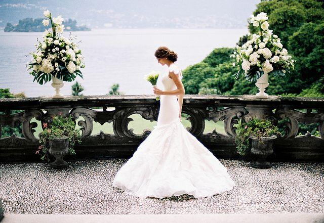 Italian villa.: Italian Villas, Wedding Dressses, Wedding Photography, Bridal Portraits, The Bride, Stunning Wedding Dresses, The Dresses, Italian Wedding, Lakes Garda