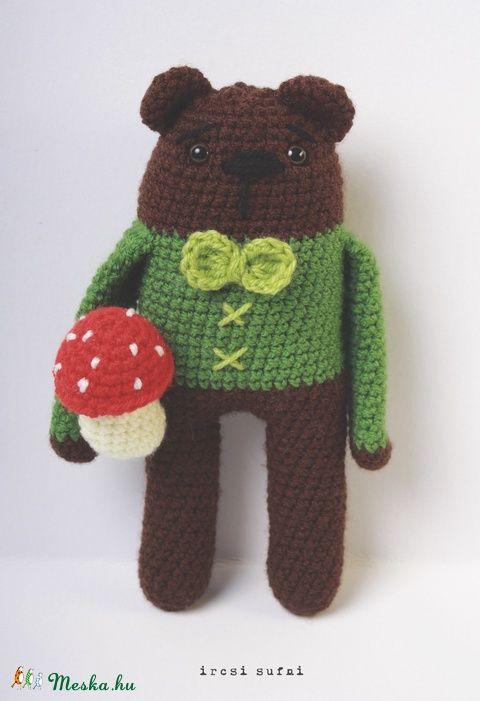 Meska - Horgolt medve, neve: Jóska ircsisufni kézművestől  #crochet #crochettoy #bear #toy #forestbear #mushroom