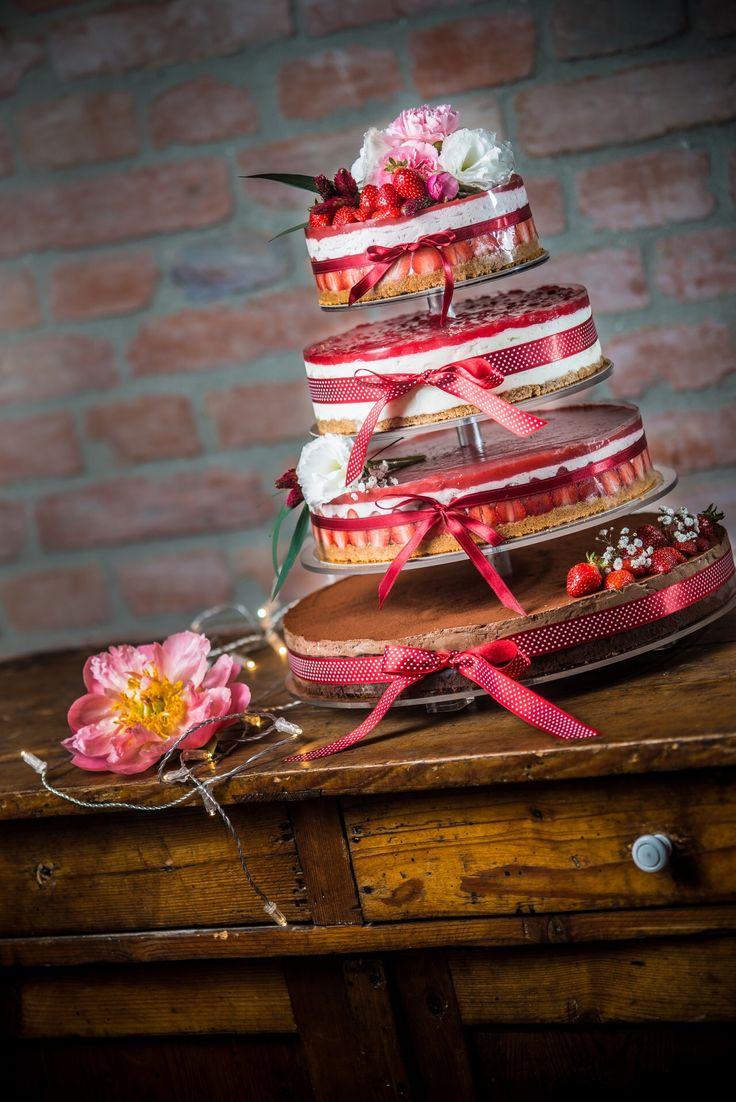 Wedding cake Budapest Naked Cake strawberry cake www.nekedcake.hu
