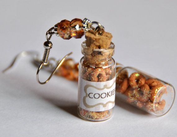 Orecchini Piccoli biscotti in bottiglia di vetro. di Minervastyle