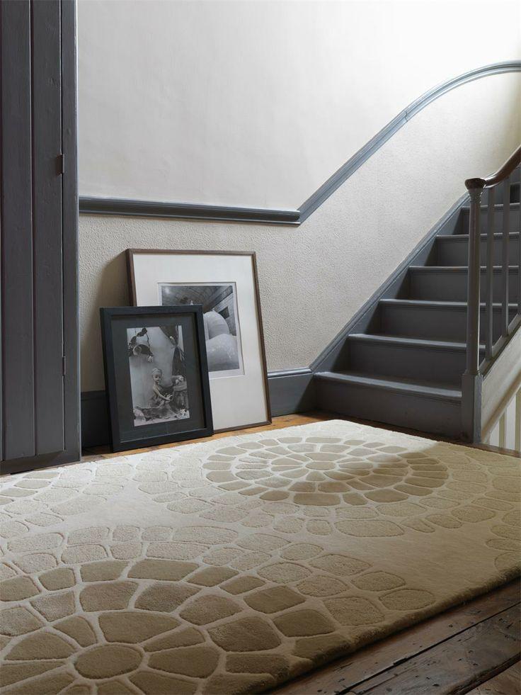 Kreativ und modern - die Designer Teppiche unserer Matrix Kollektion begeistern mit optimaler Preisleistung und hohem Wohnkomfort. Unter den zahlreichen Motiven und Farben ist mit Sicherheit für jeden Geschmack genau das richtige dabei - ob auffällig bunt oder dezent elegant. Die einzigartige Gestaltung der Teppiche und die angenehmen Farbkombinationen schaffen einen garantierten Blickfang in jedem Zuhause. #benuta #teppich #interior #rug #retro